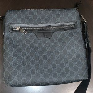 Gucci carry bag